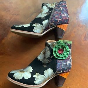 Socofy booties size 39